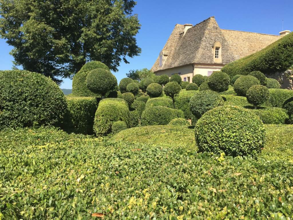 Cloud topiary in Marueyssac France