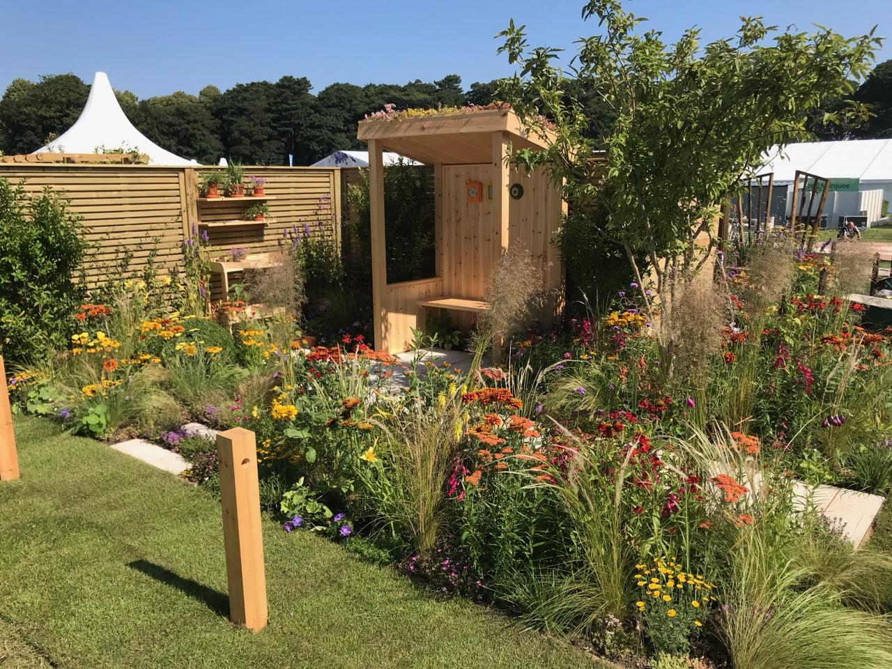Sunshine Garden Dianne Oxberry - Garden Ninja Ltd Garden ...